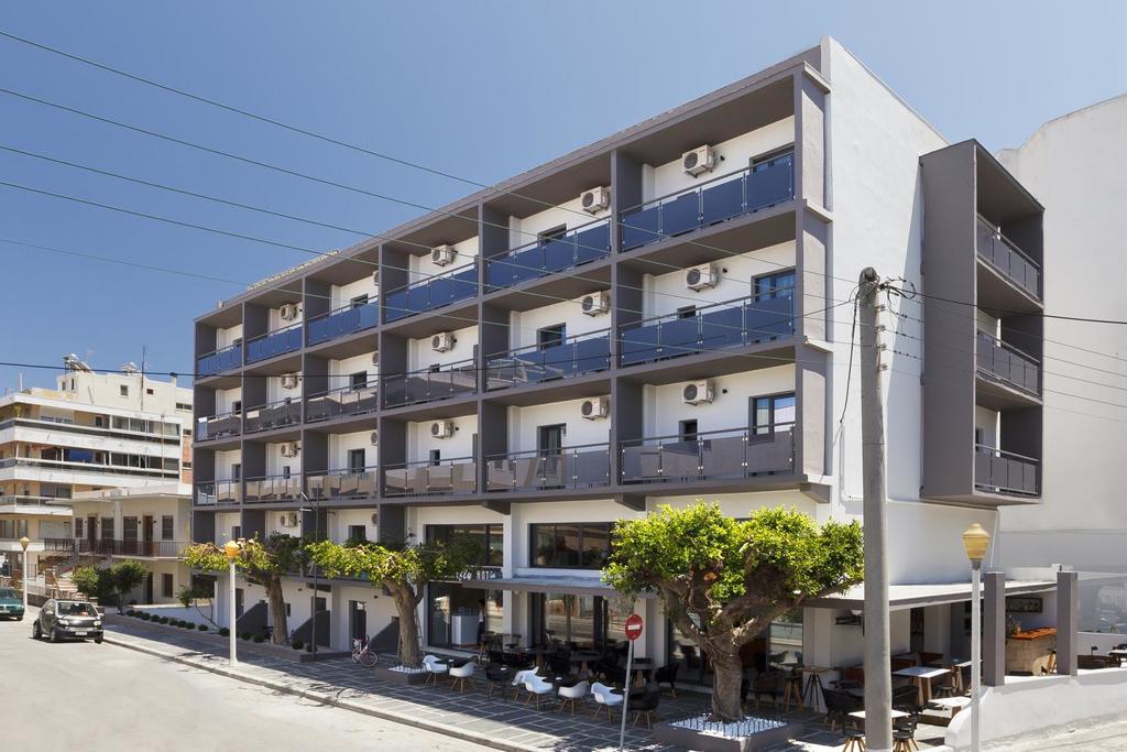 Fasada hotela Butterfly Boutique u Rodosu u Grčkoj.